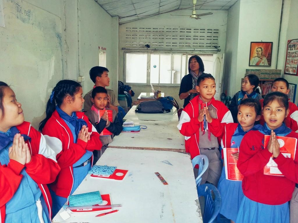 teaching English in Thailand. School pupils in Thailand