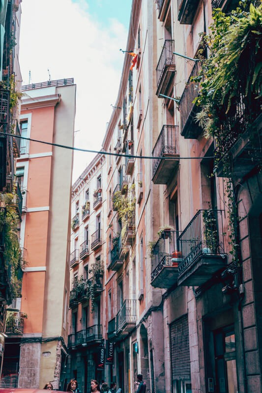 Barcelona Itinerary - Best Things to Do in Barcelona on a Budget 6