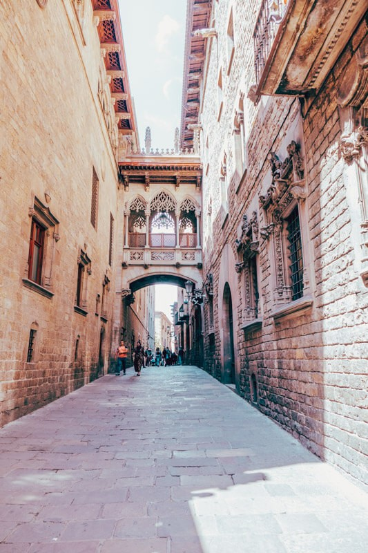 Barcelona Itinerary - Best Things to Do in Barcelona on a Budget 7