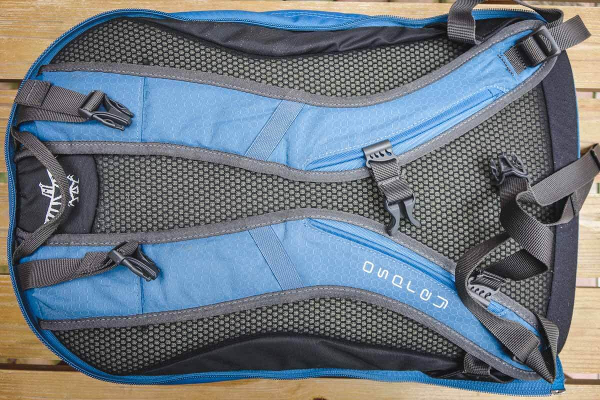 Best Carry on Backpack - Osprey Farpoint 55 [REVIEW] 2