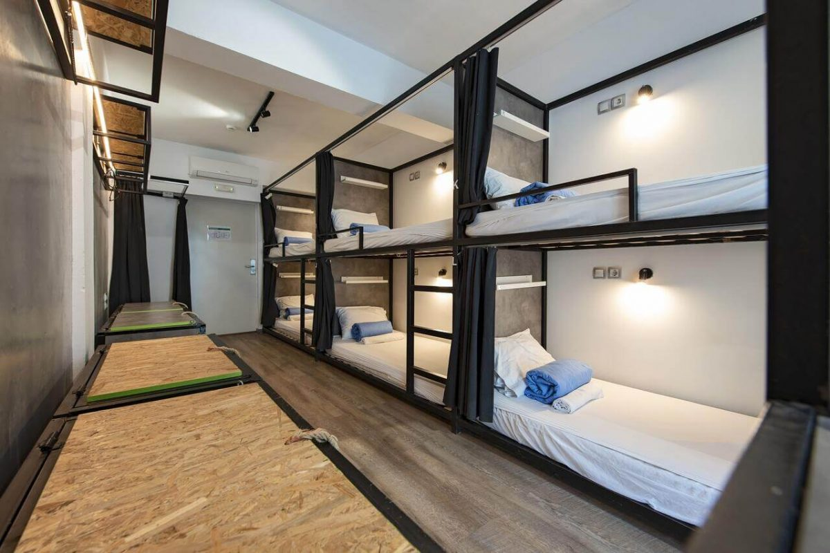 hostels in athens